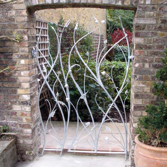Beautiful metal gates made with leaves and tendrils